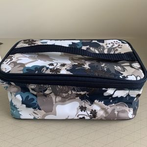 Brand New Sealed Thirty One Glamour Case